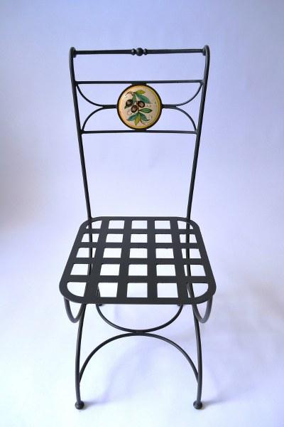 Sedie Decorate A Mano.Arredare Con Gusto Con Le Sedie In Ceramica Decorate A Mano Libera